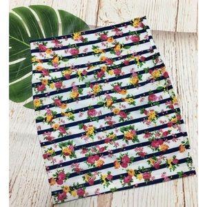 5/$25 Forever 21 Striped Floral Mini Skirt
